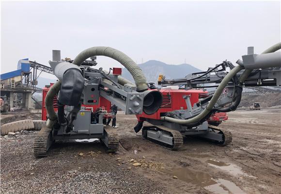 杰亚小型一体式钻车施工
